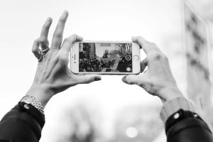 Teknologia-alalta vaaditaan yhä enenevissä määrin vastuullisuutta.